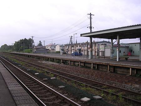 八雲駅ホーム1