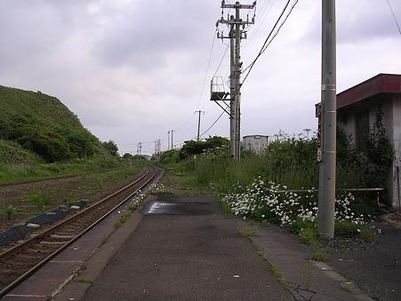 石倉駅ホーム2