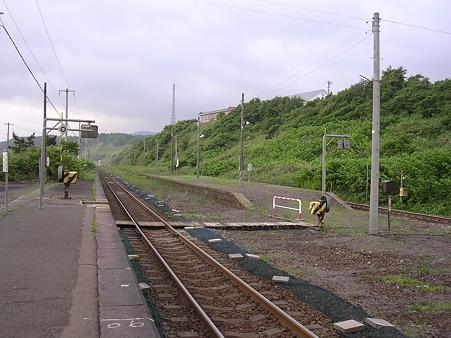 石倉駅ホーム1