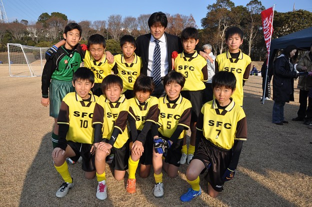 2012.01.02 新春サッカー大会(1)(名波さんと・6年生)