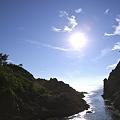 Photos: 入り江を照らす