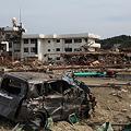 写真: 小学校に津波襲来