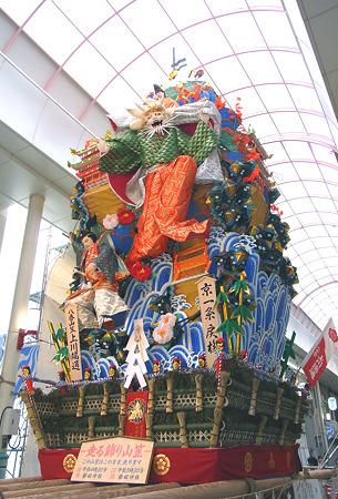 博多祇園山笠 2011 走る飾り山 上川端通 京一条戻橋(きょういちじょうもどりばし)1