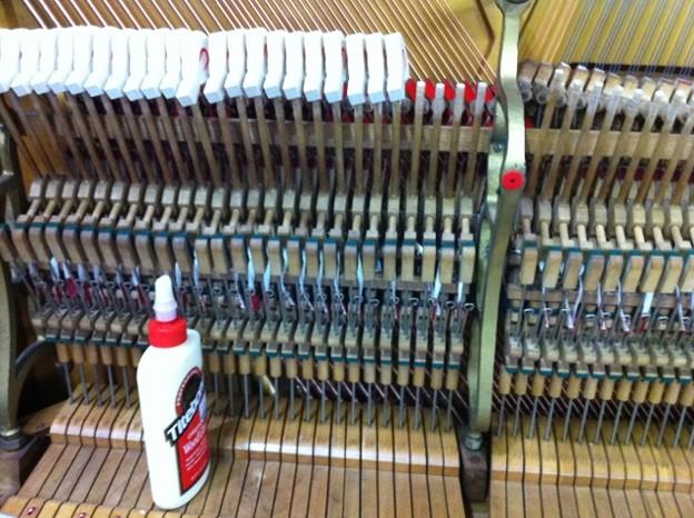 写真: ハンマーヘッド取り付け作業