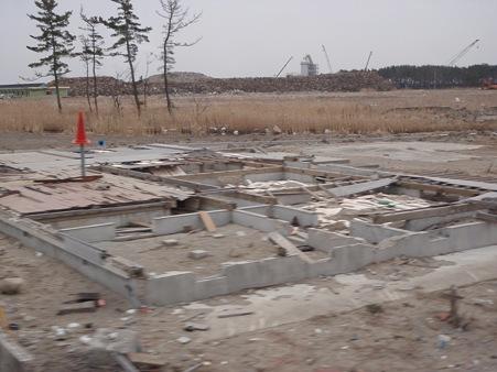 山元町 津波被災地 土台だけの家屋