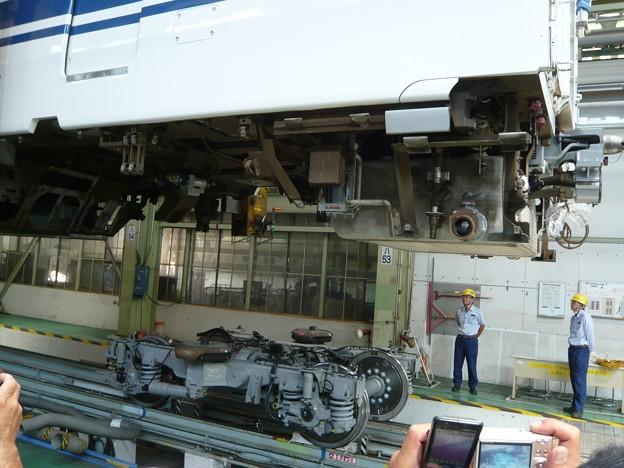 P1220850新幹線車体上げ・載せ作業実演