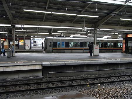 321系(新大阪駅)