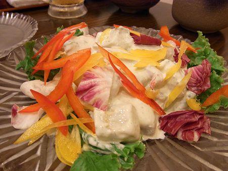 エビと何とかと何とかの海鮮サラダ