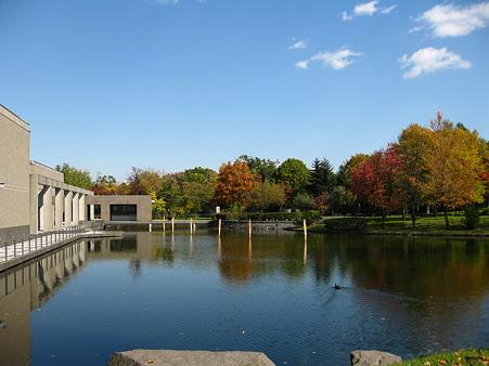 札幌芸術の森美術館前庭