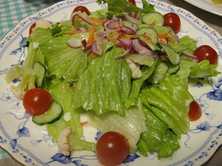 久々に登場、レタスのサラダ