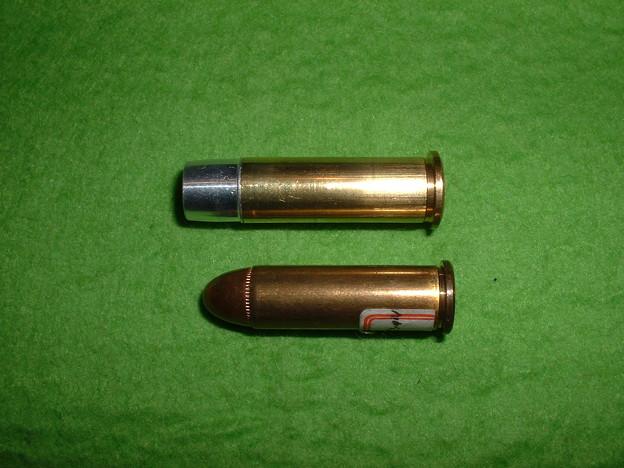 マルシン 8mm Xカート仕様 ポリスリボルバー 用 Xカート(上)と38.SP ダミーカート(下) Doburoku-TAO
